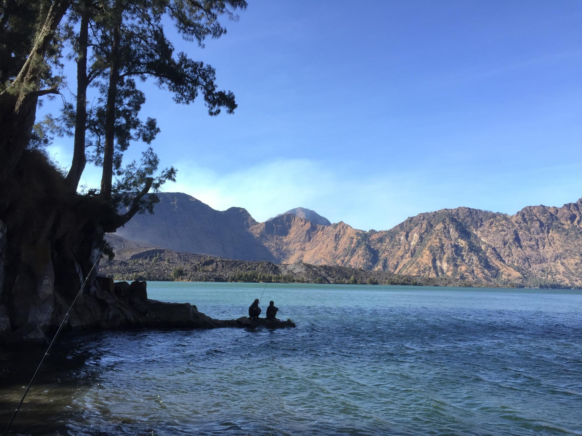 Panorama Danau Segara Anak dari sisi Timur
